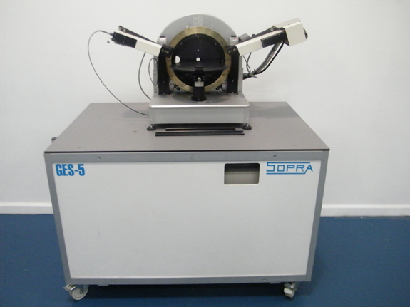 "Spectroscopic Ellipsometer, 12"" Vacuum Chuck, Variable Angle, 210nm to 900nm Spectral Range"